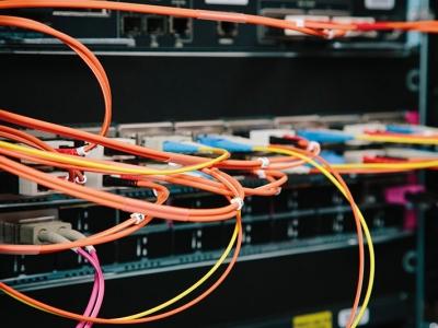 Netzwerkschrank Glasfasern